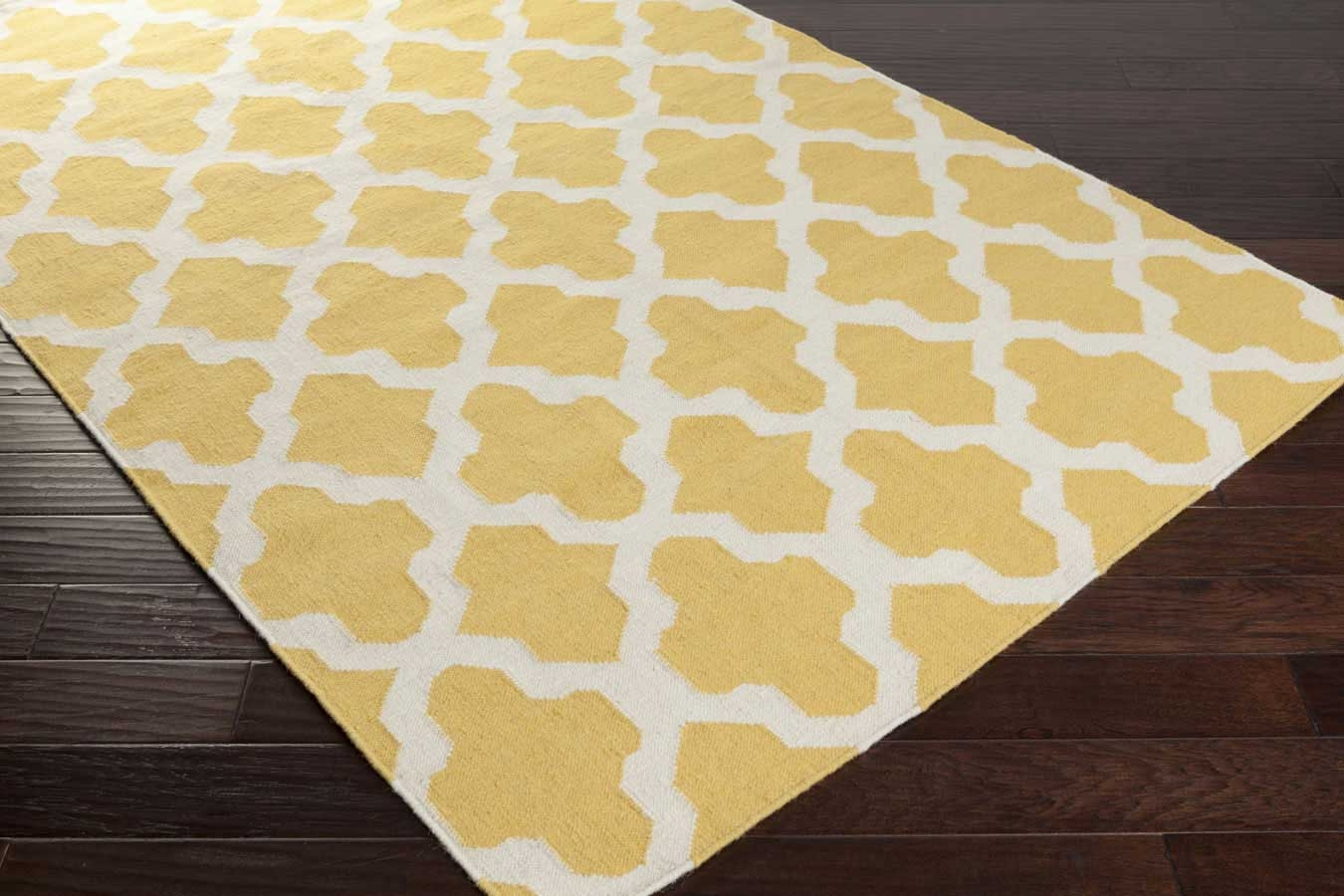 artistic weavers york olivia awhd1010 yellow white area rug. Black Bedroom Furniture Sets. Home Design Ideas