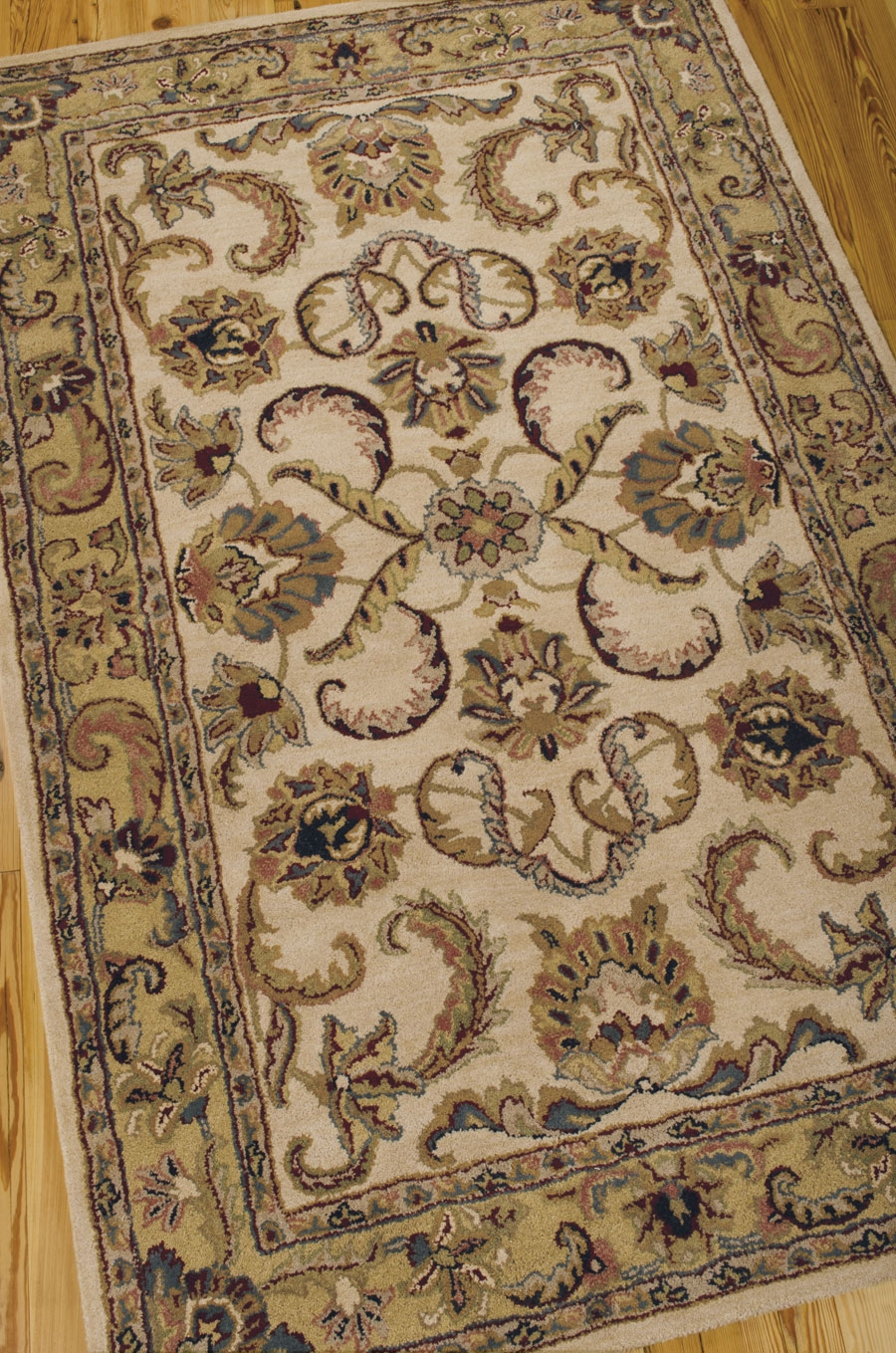 India House IH47 Ivory Gold Rug by Nourison