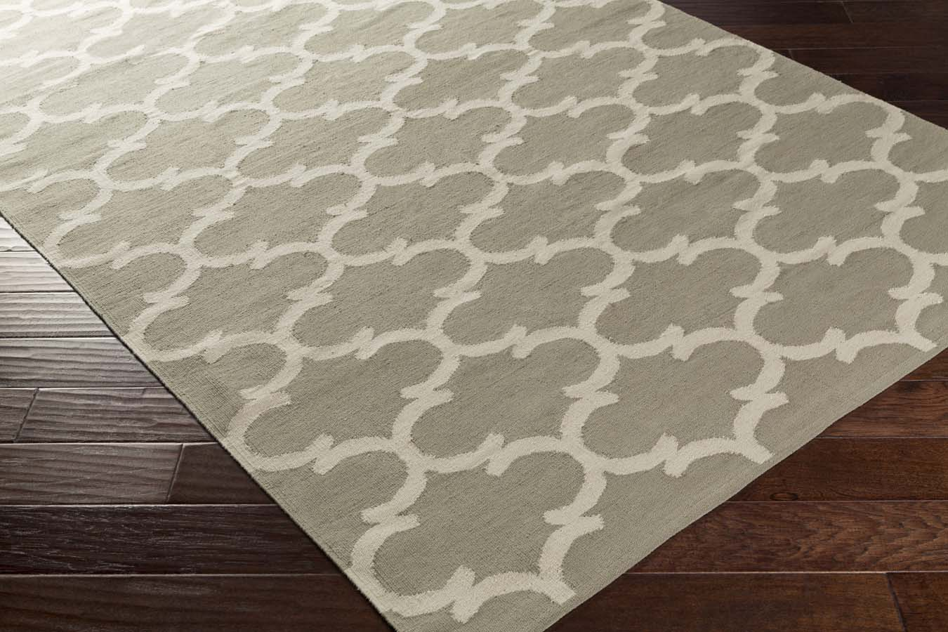 Artistic Weavers Vogue AWLT-3055 Lola Gray/Ivory Rug