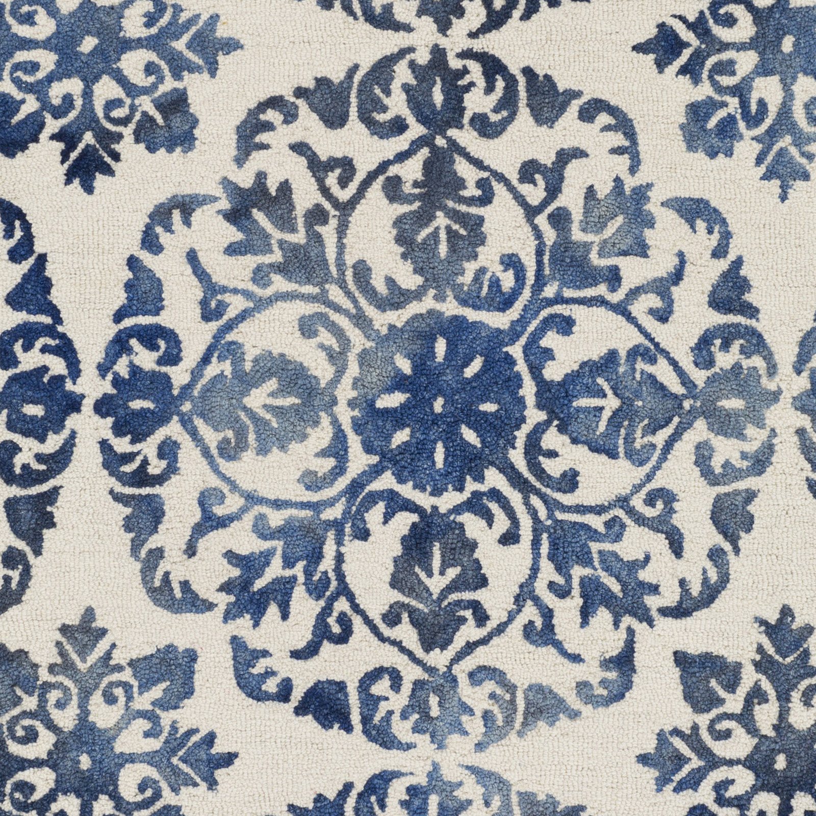 Blue and white rug roselawnlutheran for Blue and white area rugs