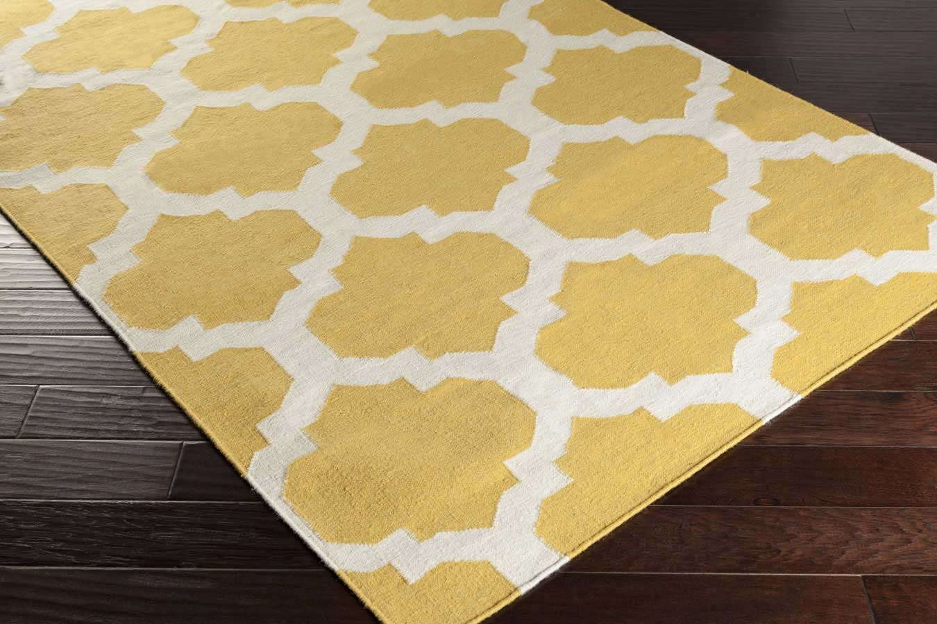 artistic weavers york harlow awhd1035 yellow white area rug. Black Bedroom Furniture Sets. Home Design Ideas
