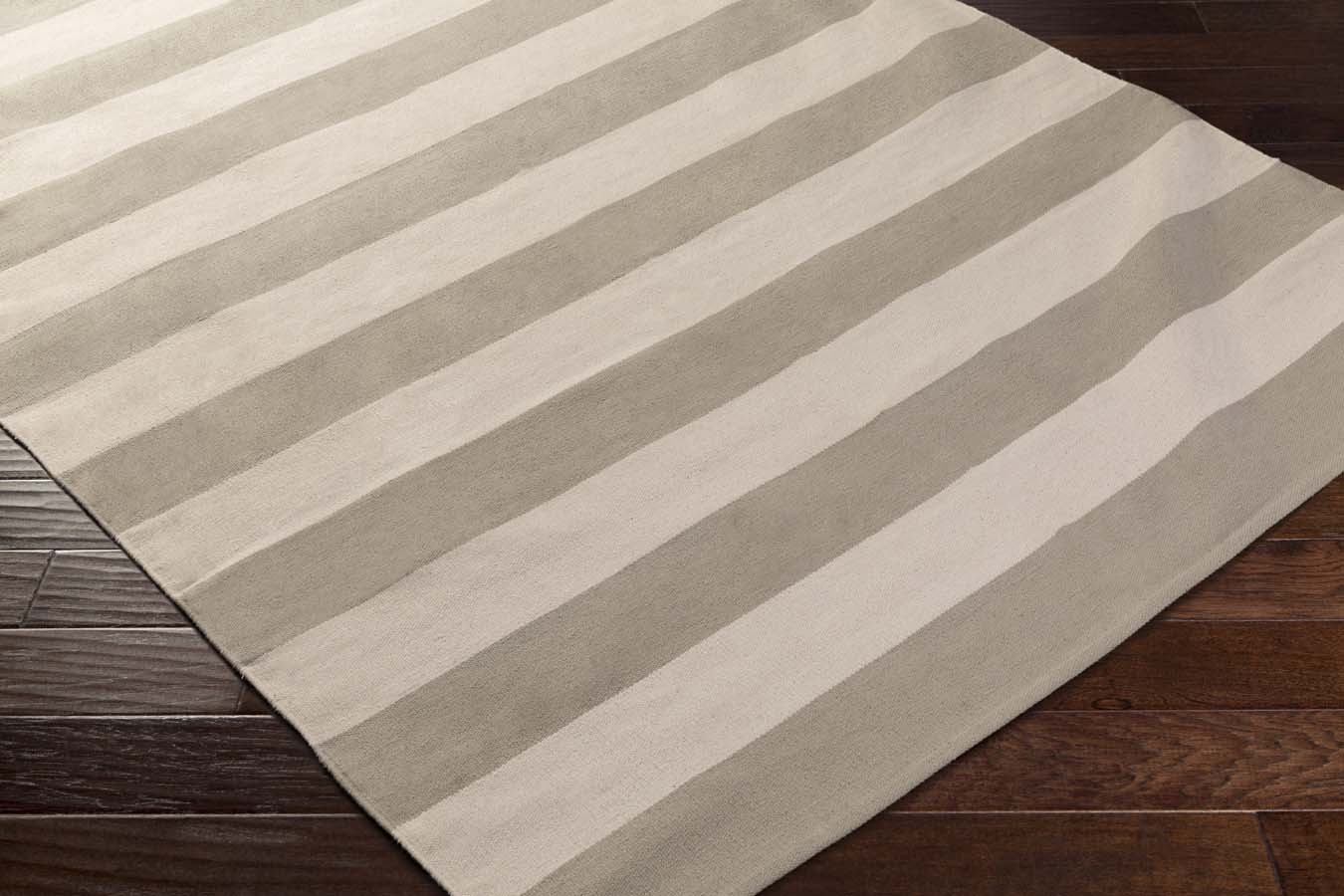 Artistic Weavers CITY PARK  AWCP-3065 Lauren Silver/Ivory Rug