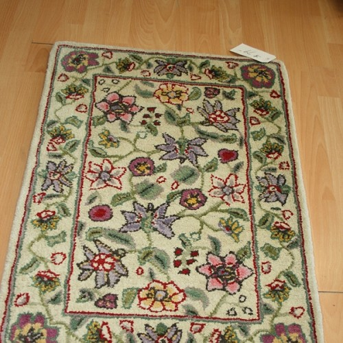 2 x 3 Wool Hand Tufted Floral Garden Entry Rug