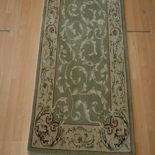 Baroque Traditional Sage Runner Wool
